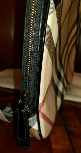 AUTHENTIC BURBERRY SUPER PADDED COMPUTER
